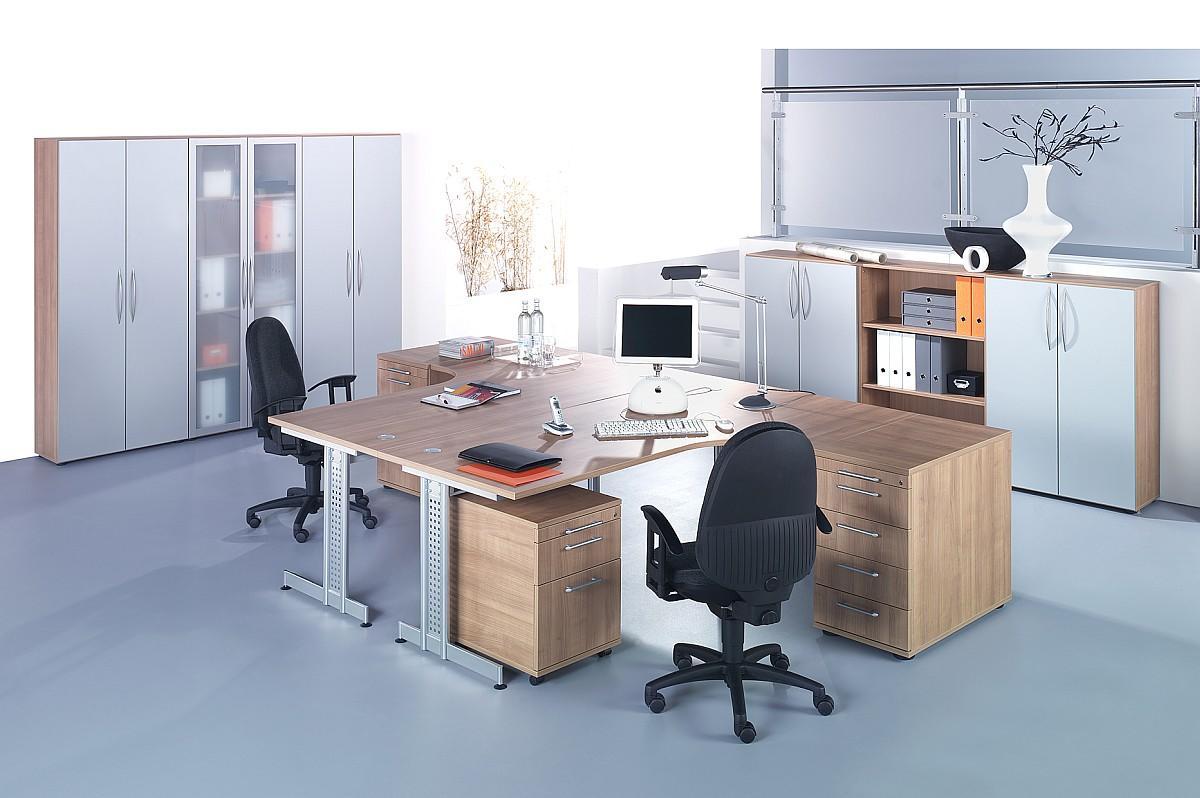 Büromöbel preiswert und schnell - Basics in Nuss und Silber