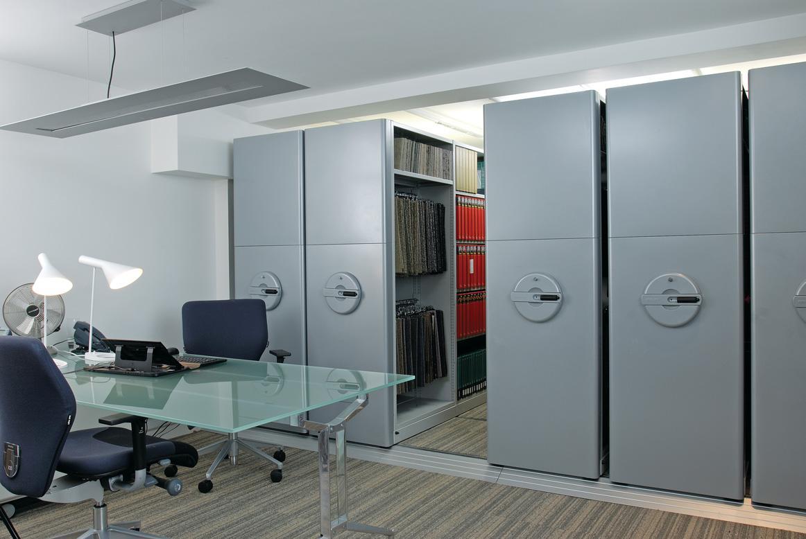 Büromöbel preiswert und schnell - Bisley Büromöbel aus Stahl