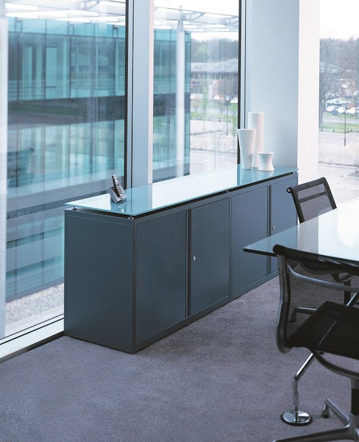Büromöbel preiswert und schnell - Bisley DESKSPACE